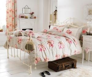 Интерьер спальни в стиле прованс.