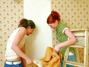 Как снять старые обои без лишних усилий