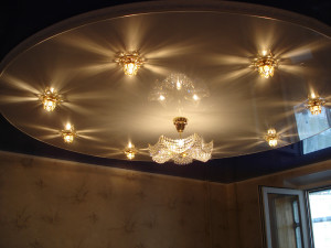 Натяжные потолки для зала двухуровневые