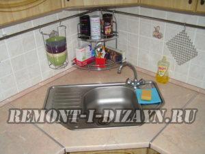 Насколько удобна угловая мойка для кухни