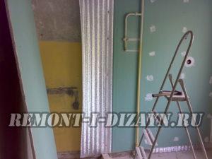 Крепление гипсокартона к стене с целью выравнивания и утепления с пошаговыми фото