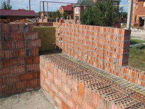 Из чего лучше строить дом для проживания