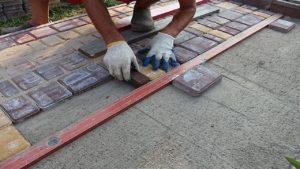 Как уложить тротуарную плитку самостоятельно с фото